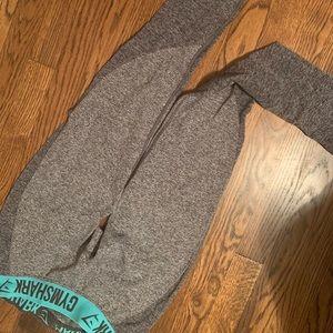 Gym shark leggings!